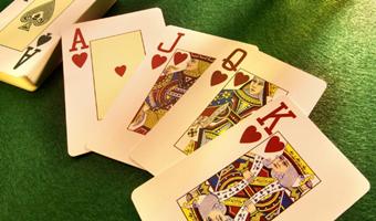 能赚钱的手机游戏棋牌